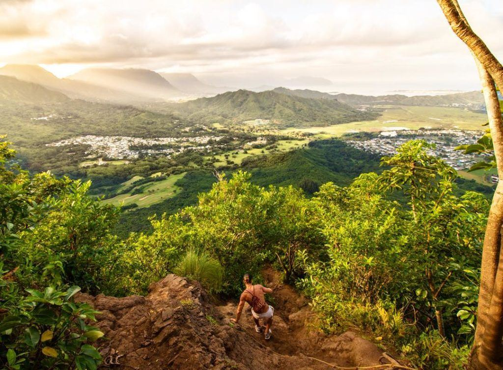 HIKES ON OAHU, BEST HIKES ON OAHU, OAHU HIKE, OAHU TRAILS, EASY HIKE OAHU