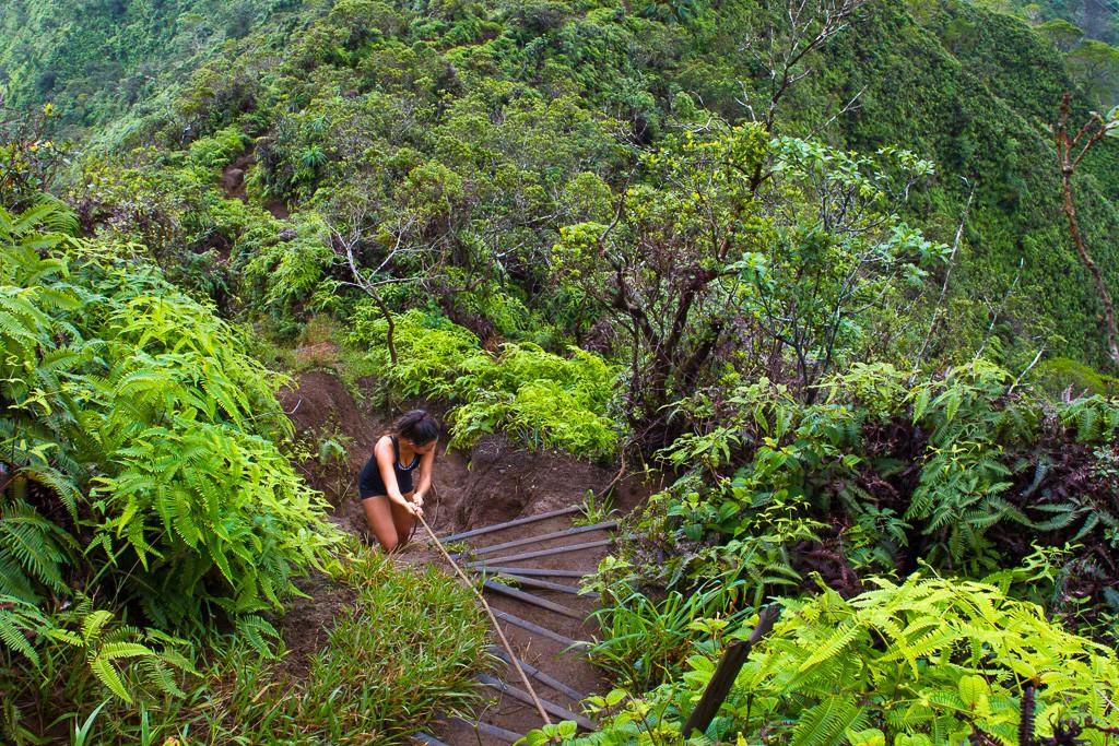 oahu hikes waterfalls amazing view