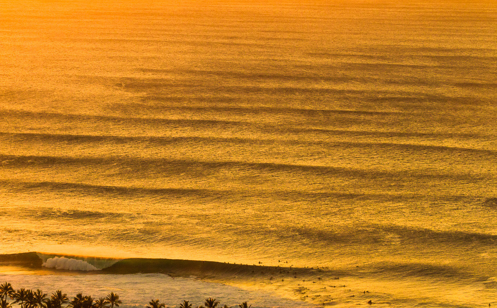 pipeline-surf-hawaii-10