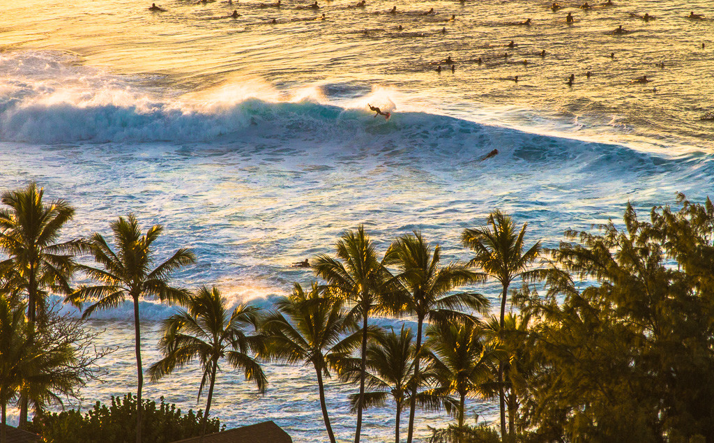 pipeline-surf-hawaii-2
