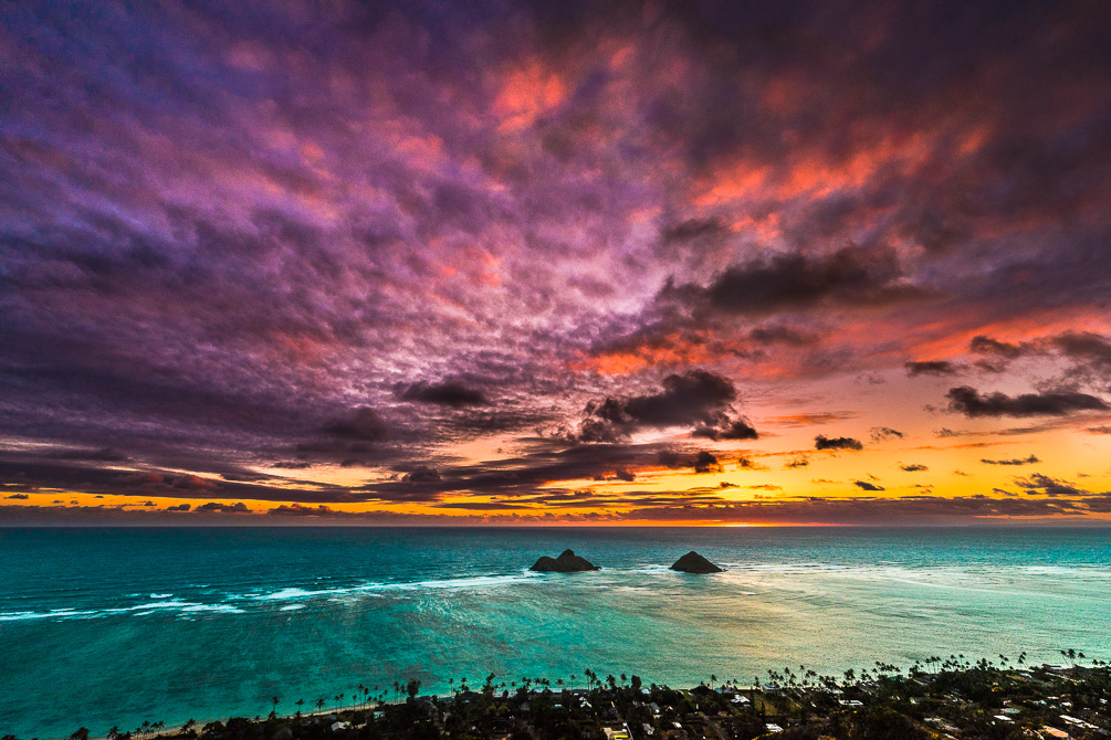LANIKAI PILLBOX HIKE: THE BEST SUNRISE ON OAHU - Journey Era