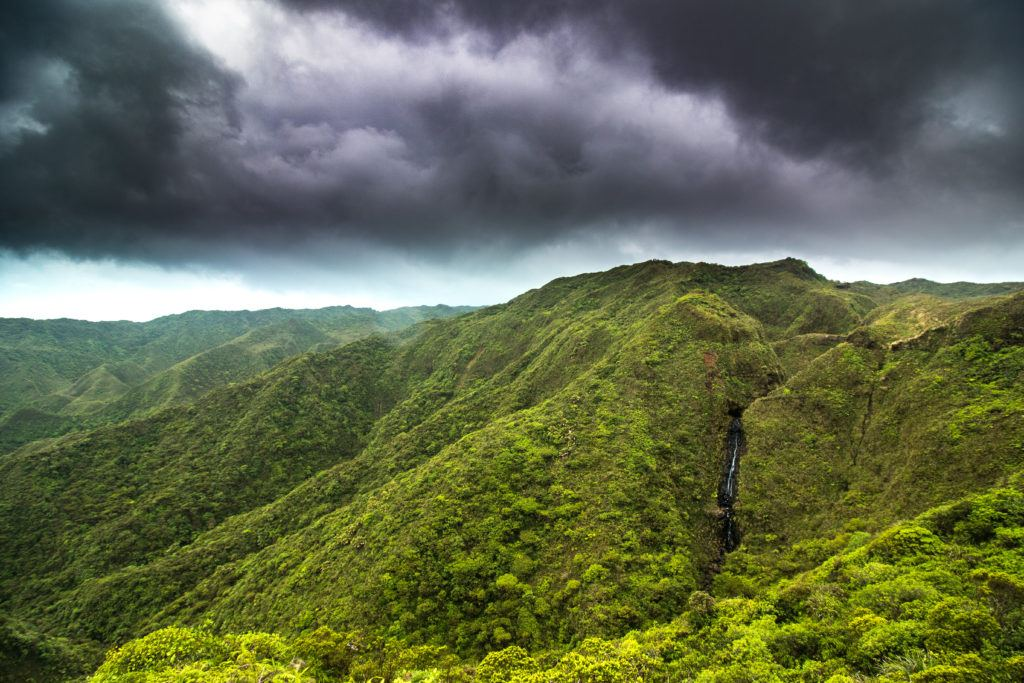 storm of the waterfall on the Koolau Summit Trail