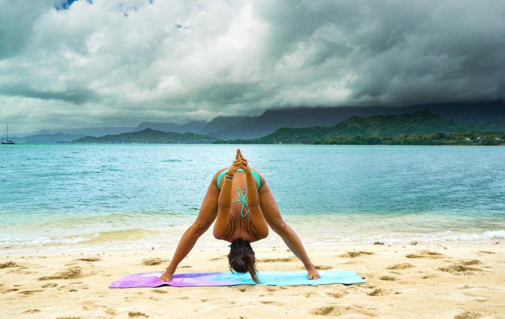 yoga poses for travelers