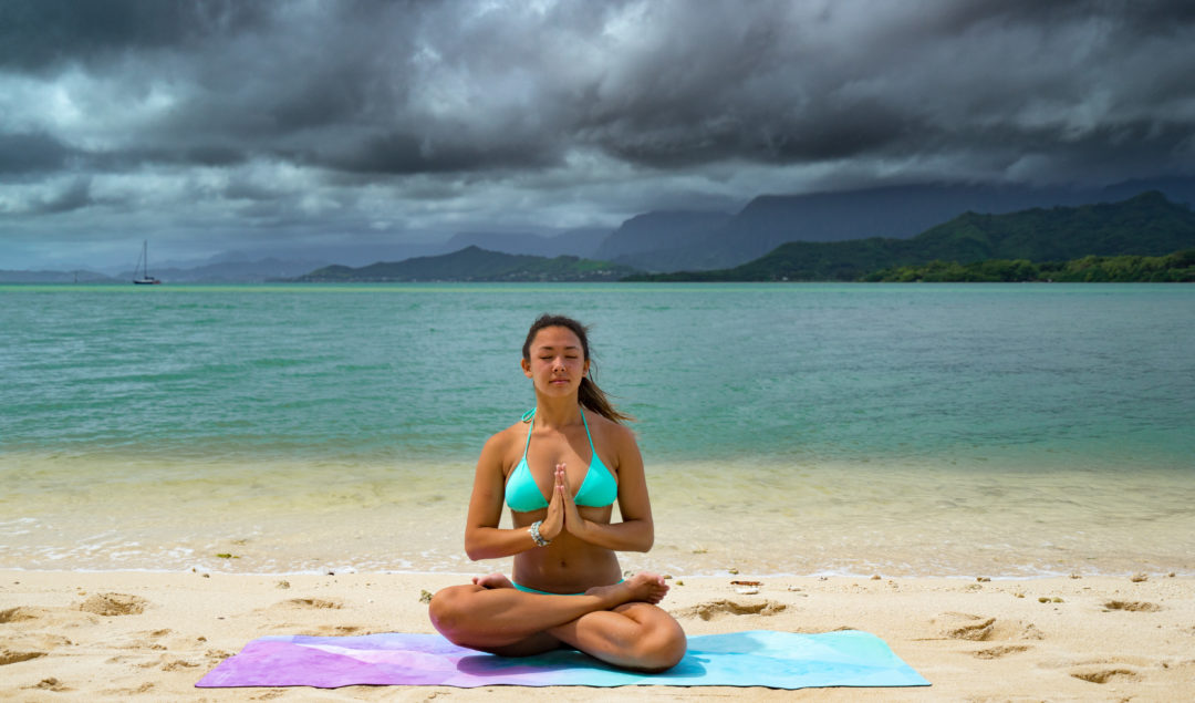 yoga poses for travelers feat