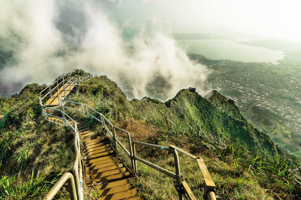 hikes on oahu, oahu hiking, oahu hikes,hikes in oahu, hikes in hawaii, best hikes oahu, oahu trails , best oahu trails, short oahu trails, short hikes oahu, stairway to heaven