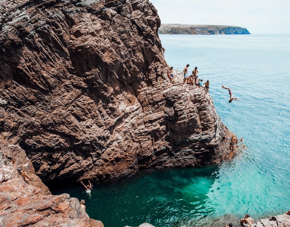 SECOND VALLEY CLIFF JUMPING Journey Era - 8 most dangerous cliff jumps in the world