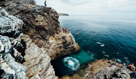 cliff jumping spots adelaide, cliff jumping adelaide, cliff jump adelaide, cliff jump south australia