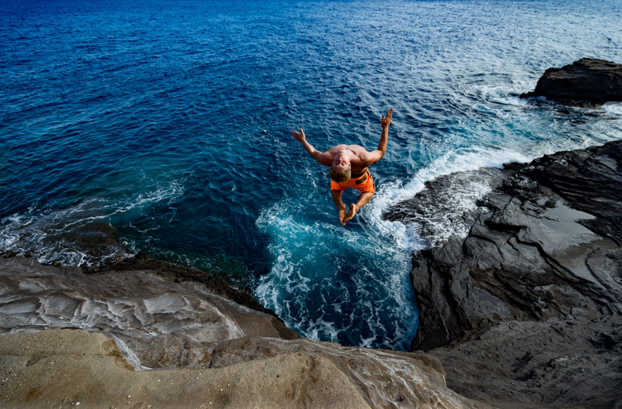 11 BEST CLIFF JUMPING SPOTS ON OAHU, HAWAII - Journey Era