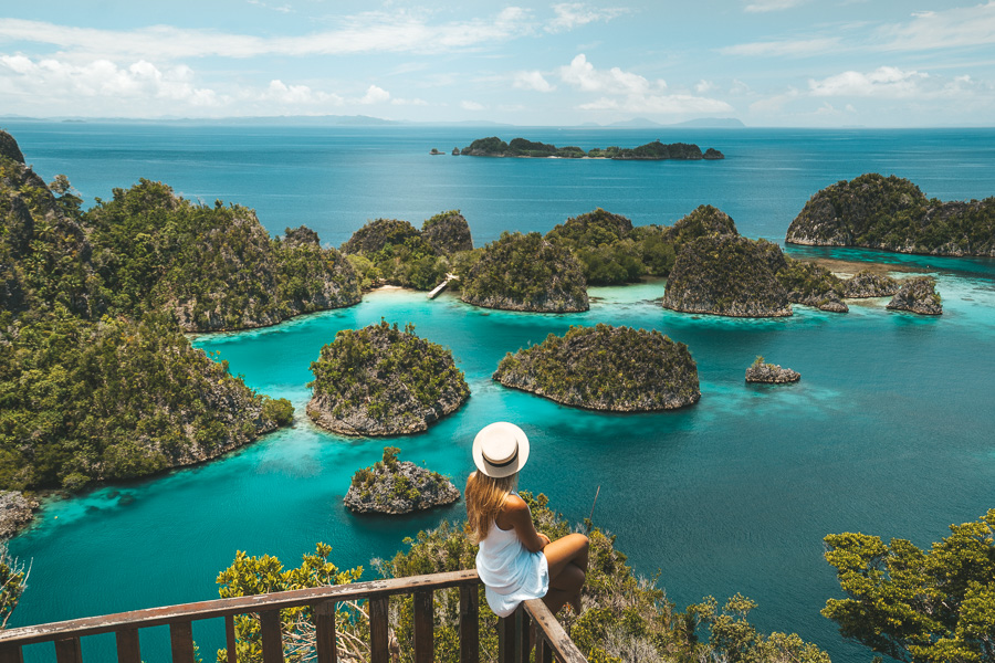 PIANEMO ISLAND RAJA AMPAT - TIPS TO KNOW BEFORE YOU GO - Journey Era