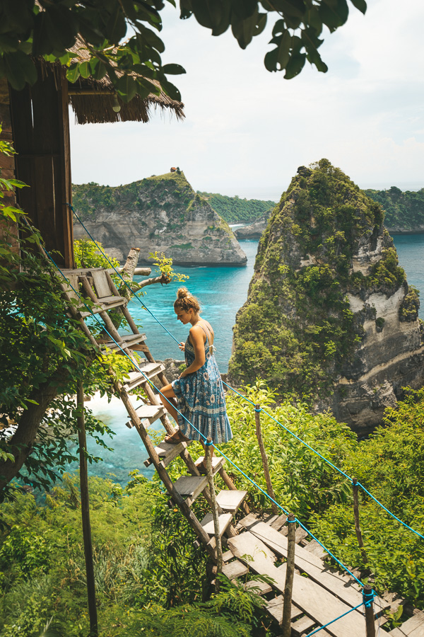 tree house nusa penida, nusa penida treehouse, bali treehouse accommoation, tree house villa bali, bamboo treehouse bali, rumah pohon treehouse, the treehouse bali, airbnb treehouse bali