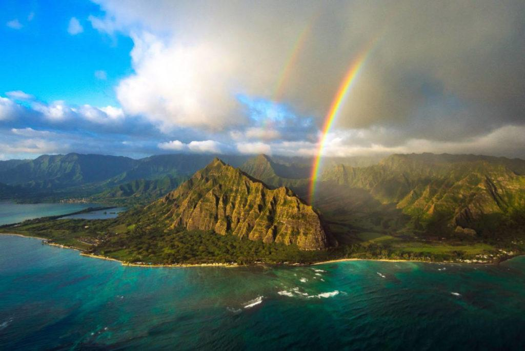 This image has an empty alt attribute; its file name is best-tours-on-oahu-803-1024x685.jpg