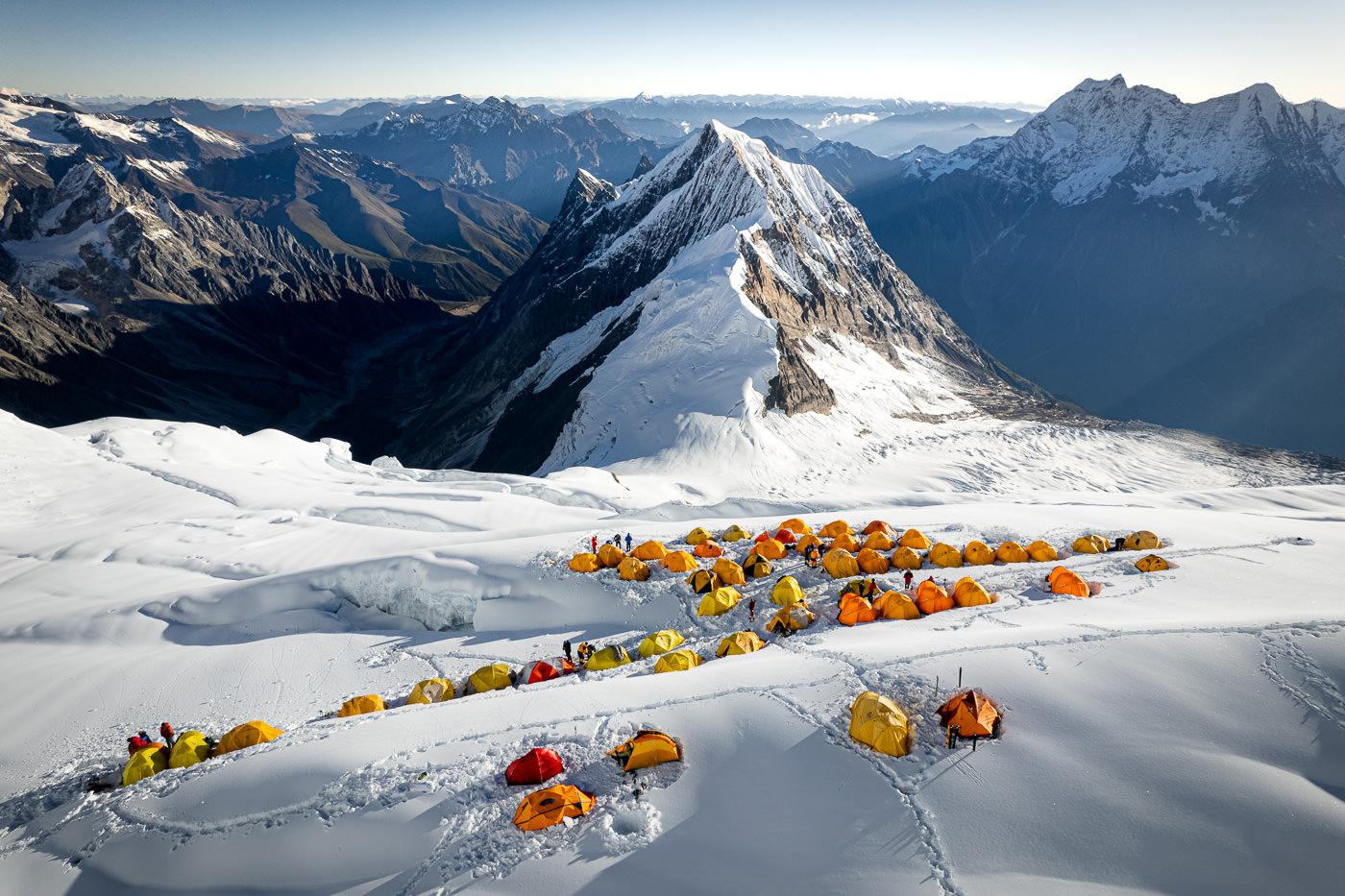 CLIMBING MANASLU MOUNTAIN: PHOTO GALLERY